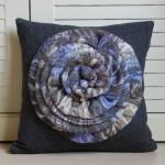 Подушка украшенная цветами 9