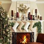Рождественские сапожки над камином
