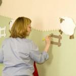 Декорируем стены в детской