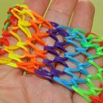 Многоцветный браслетик.