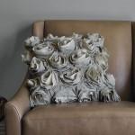 Подушка украшенная цветами 10