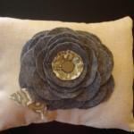 Подушка украшенная цветами 5