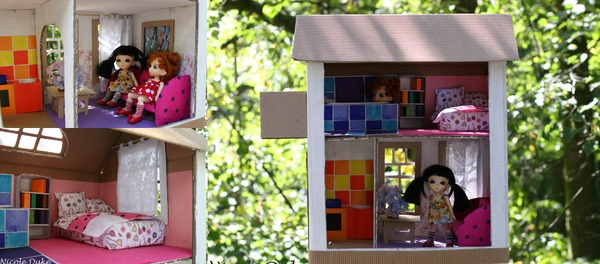 Куклы в кукольном домике из бумаги