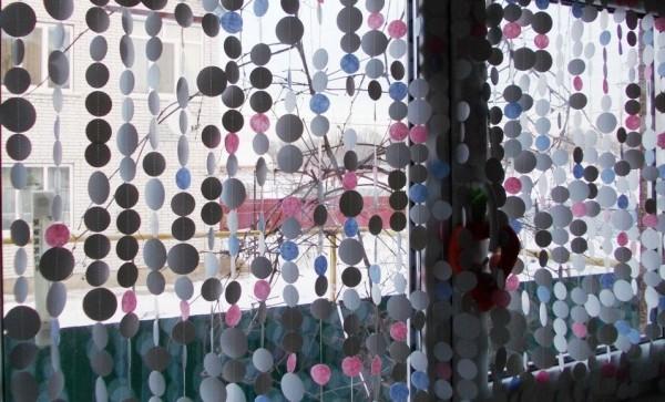 Новогодняя гирлянда на окне