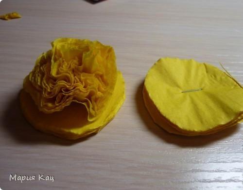 Пышные цветы из бумажных