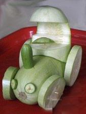 Трактор из кабачков