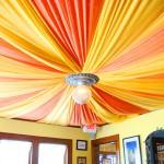 Затягиваем потолок тканью